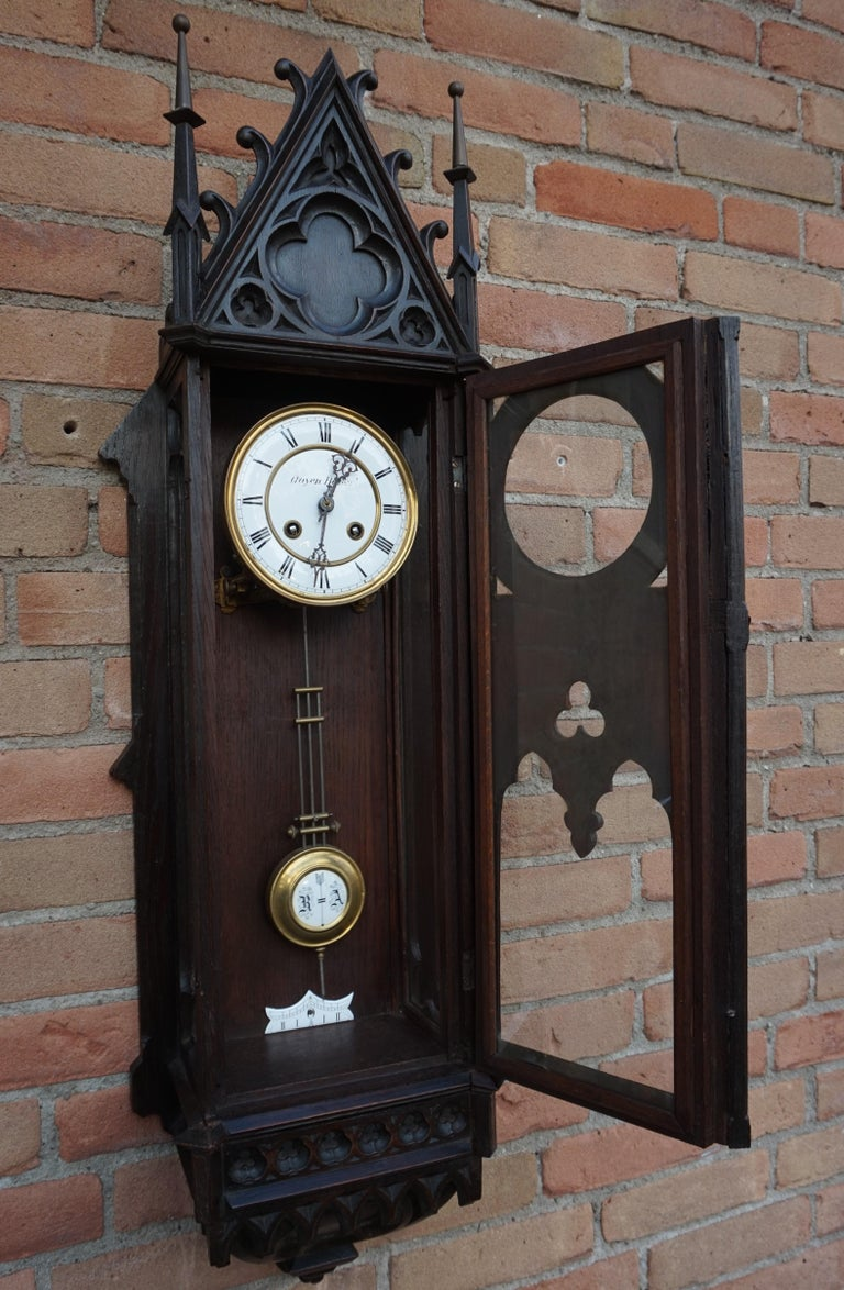 Unique, Large and Hand Carved Early 20th Century Gothic Revival Wall Clock In Good Condition For Sale In Lisse, NL