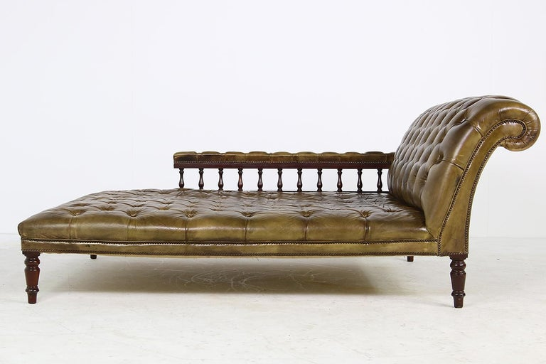 Beautiful authentic midcentury recamier, daybed for one or two, authentic real leather, patina, fantastic condition, made in the 1950s, super large, solid and heavy, beautiful leather, free standing, it was pre-owned by Klaus Lowitsch (Loewitsch) a