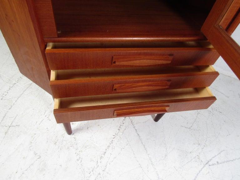 Unique Mid-Century Modern Teak Corner Cabinet For Sale 5