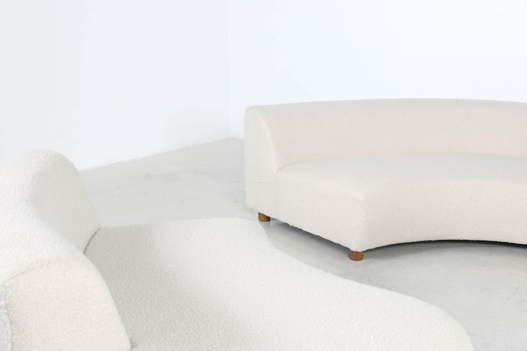 Unique Modular Curved Sofa with Teddy Fur Boucle and Pinewood Legs  For Sale 5
