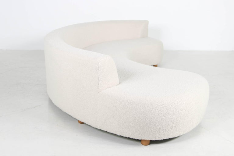 Unique Modular Curved Sofa with Teddy Fur Boucle and Pinewood Legs  For Sale 1
