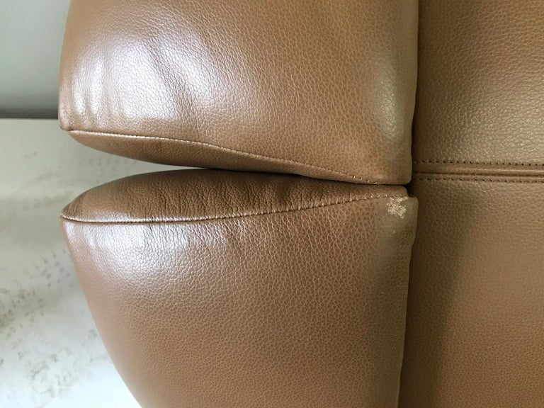 Unique Organic Italian Leather Lounge Chair by Comfortline For Sale 5