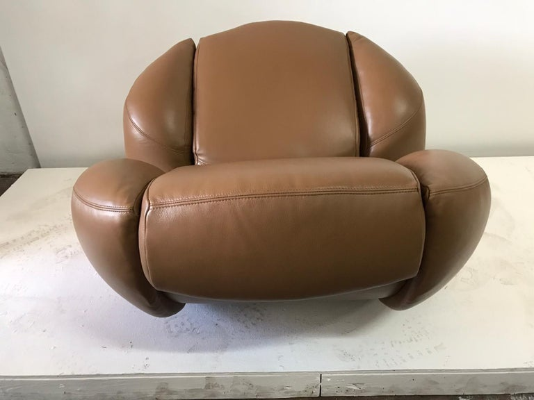 Unique Organic Italian Leather Lounge Chair by Comfortline For Sale 6