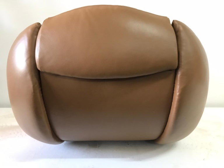 Unique Organic Italian Leather Lounge Chair by Comfortline For Sale 7