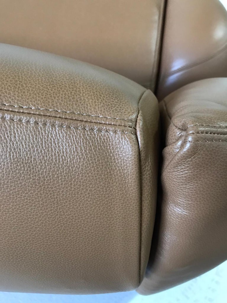 Unique Organic Italian Leather Lounge Chair by Comfortline For Sale 8