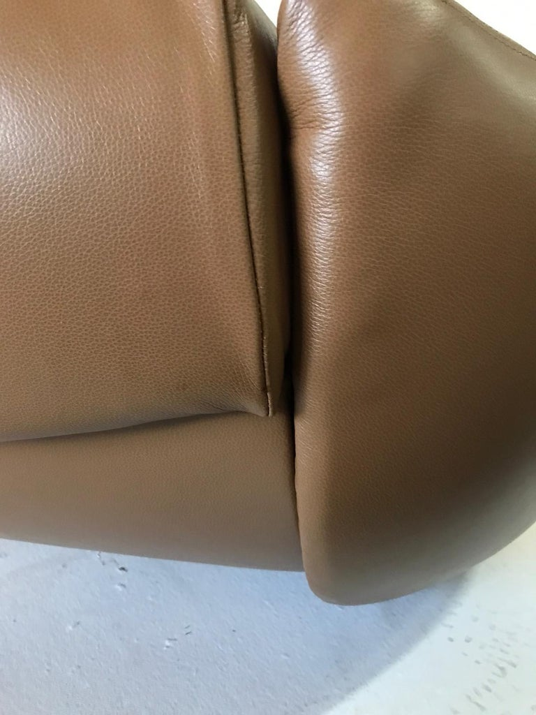 Unique Organic Italian Leather Lounge Chair by Comfortline For Sale 9