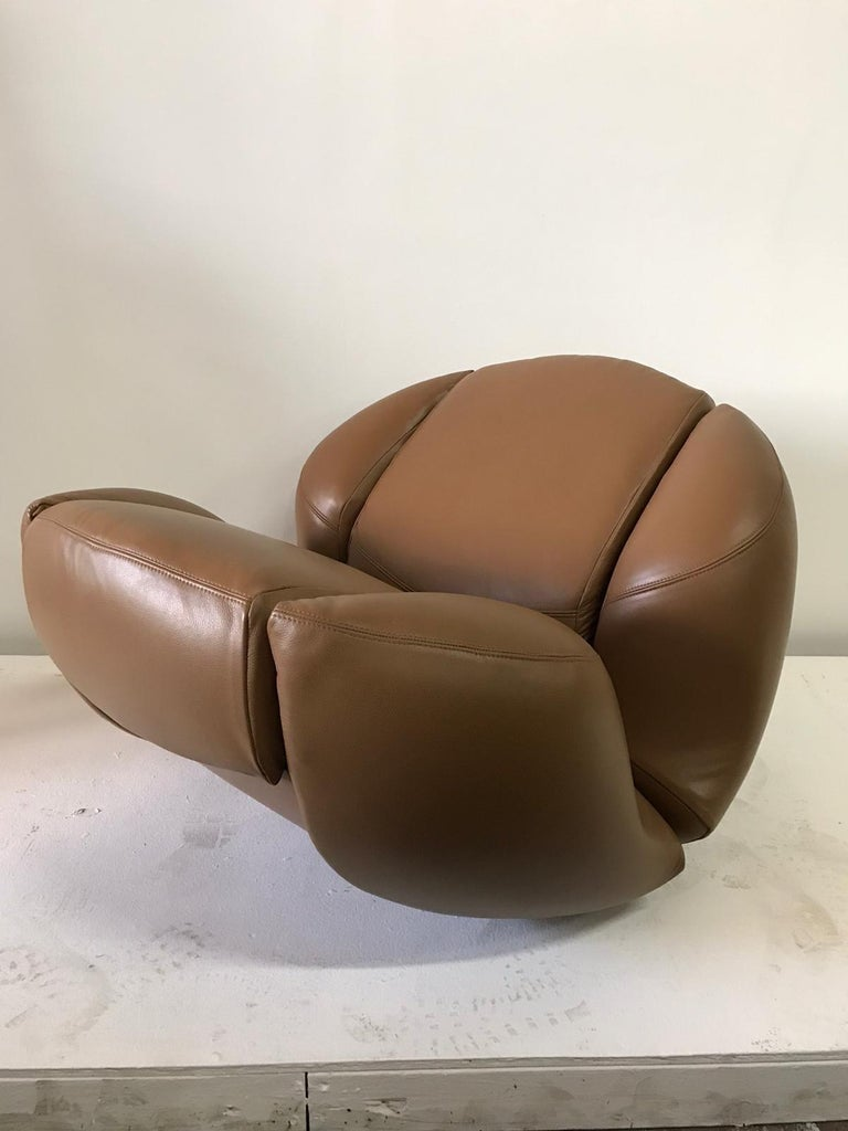 Unique Organic Italian Leather Lounge Chair by Comfortline For Sale 1
