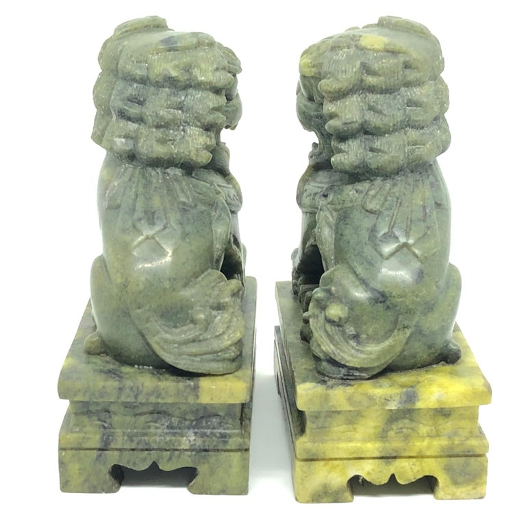 Unique Pair of Decorative Foo Dogs Temple Lion Bookends Marble Sculptures In Good Condition In Nürnberg, DE