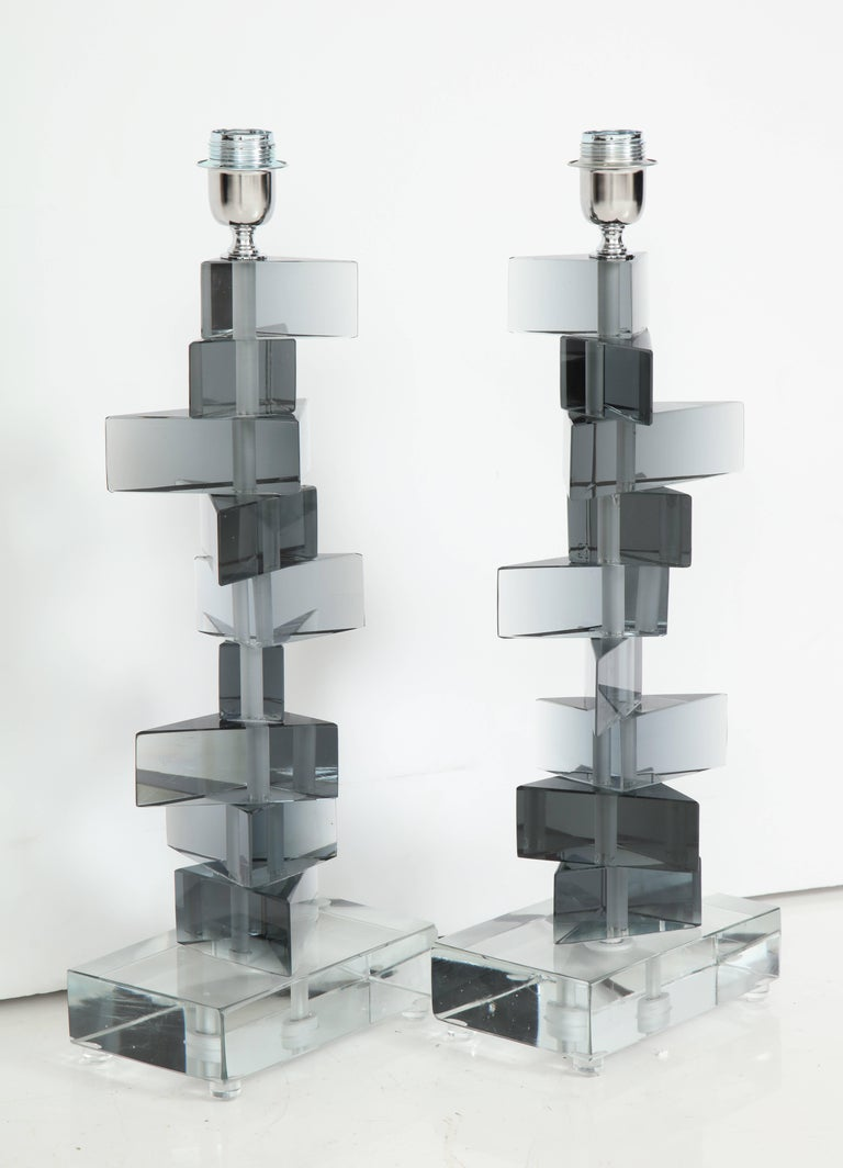 Unique Pair of Italian Murano Glass Lamps in Smoked Gray For Sale 1