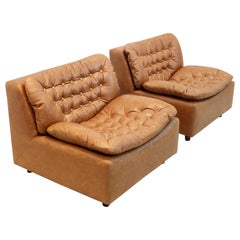 Unique Pair of Leolux Model 691 Lounge Chairs in Cognac Leather