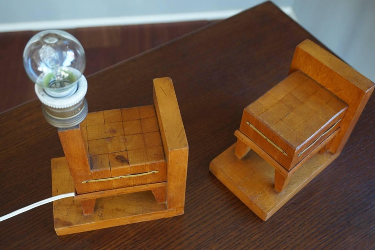 Pair of Wooden Art Deco Butcher Block Bookends with Integrated Table Light In Good Condition For Sale In Lisse, NL