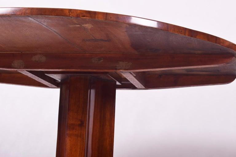 Unique Restored Austrian Biedermeier Walnut Folding Round Table, 1830s For Sale 1