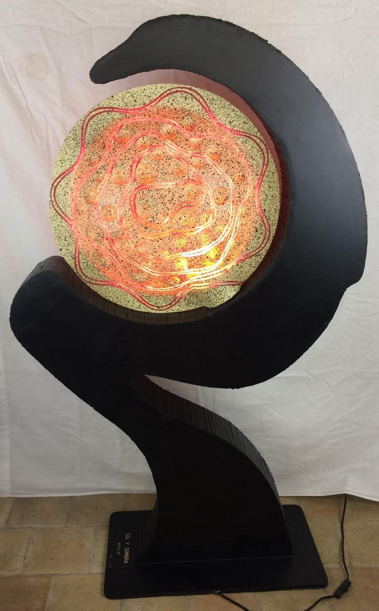 Unique Sculptural Floor Lamp in Ebonized & Bamboo Resin Shade, Signed Medaglini In Good Condition For Sale In Arles, FR