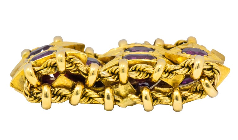 Victorian 1950's Mid-Century 7.50 Carats Ruby 18 Karat Gold Link Articulated Band Ring For Sale