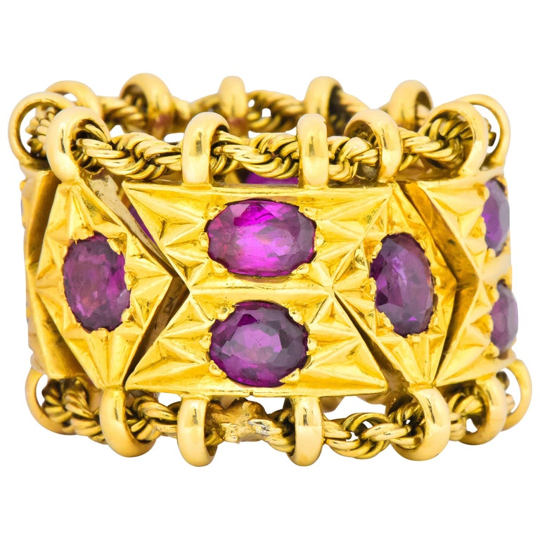 1950's Mid-Century 7.50 Carats Ruby 18 Karat Gold Link Articulated Band Ring For Sale