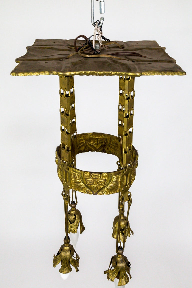 Unique Vienna Secession Brass Nouveau Chandelier with Square Chain and Foliage For Sale 7