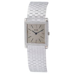Unisex Piaget Swiss Watch Ultra-Thin Square Case and Gold Band