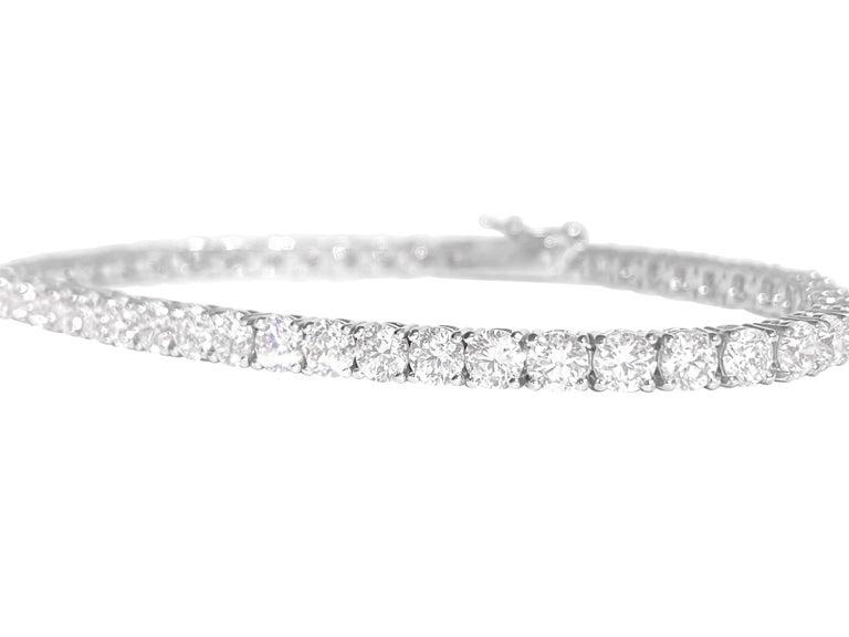 Unisex VVS 9.10 Carat Diamond Tennis Bracelet 14 Karat White Gold In New Condition For Sale In Miami, FL