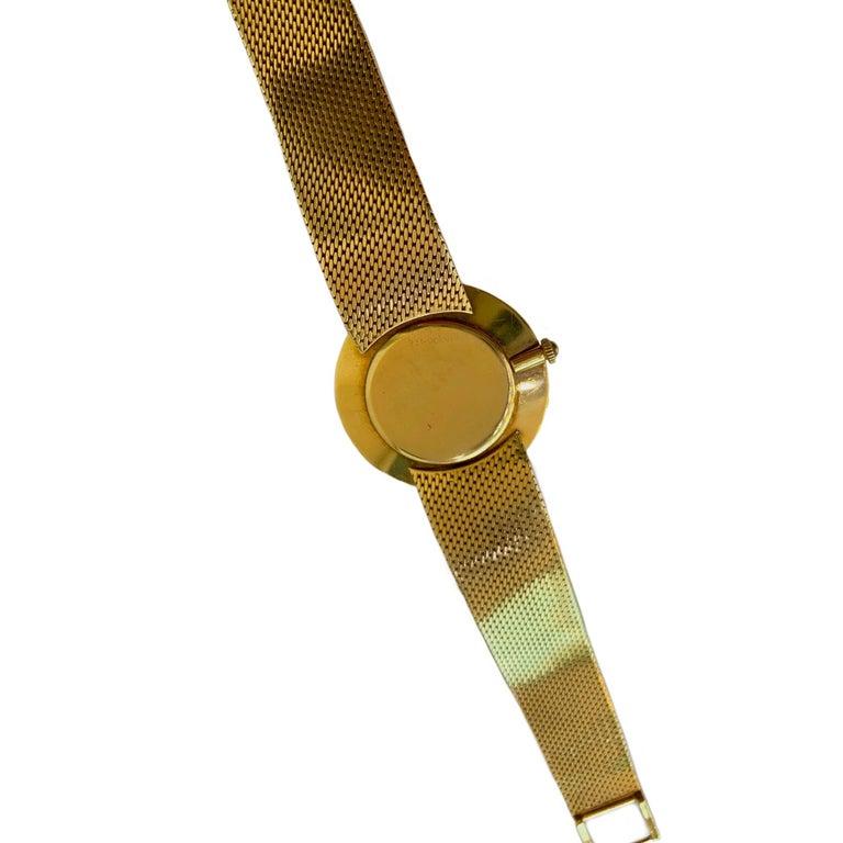 Vintage Universal Geneve 18 Karat Yellow Gold Wristwatch 1960s 1