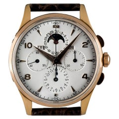Universal Vintage Rose Gold Silver Dial Tri-Compax Calendar Chronograph 12284