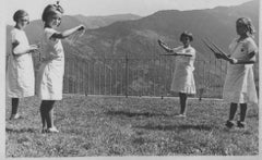 Children Play with Wooden Hoops - Vintage b/w Photo - 1930 c.a.