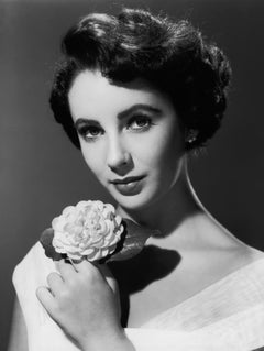 Elizabeth Taylor Posed with Flower Globe Photos Fine Art Print