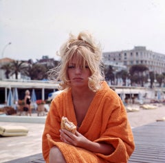 "Hilarious Candid Portrait - Goldie Hawn on a ""Sandwich Break"" Fine Art Print"