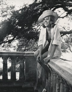 Jane Fonda Laughing in Sun Hat Fine Art Print