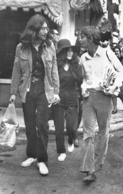 John Lennon and Yoko Ono - Vintage b/w Photo - 1969