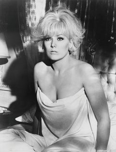 Kim Novak in the Sheets Globe Photos Fine Art Print