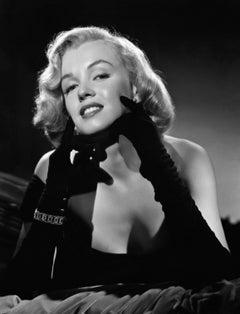 Marilyn Monroe: Elegance in the Studio II Globe Photos Fine Art Print