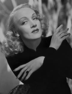 Marlene Dietrich Posed with Hands Crossed Movie Star News Fine Art Print