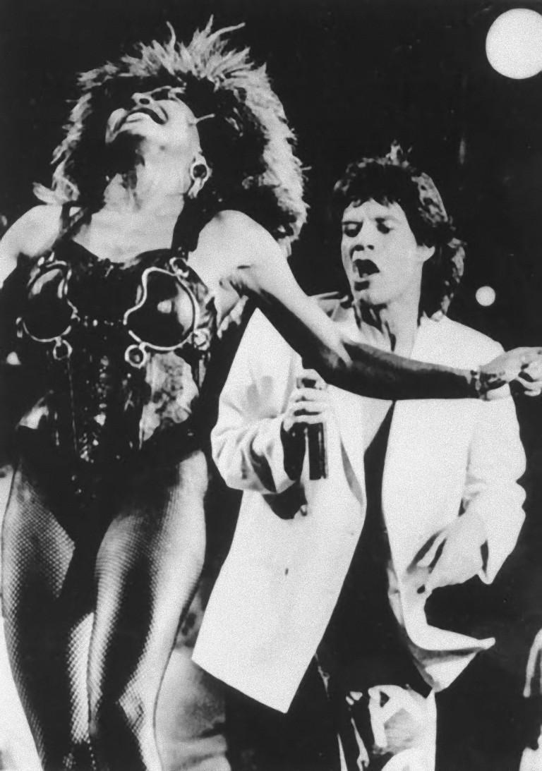 Unknown Portrait Photograph - Mick Jagger e Tina Turner at Live Aid - Vintage Photograph - 1985