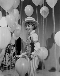 Natalie Wood with Balloons Movie Star News Fine Art Print