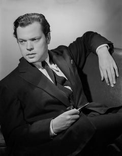 Orson Welles Leaning in the Studio Movie Star News Fine Art Print