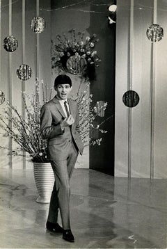 Portrait of Gene Pitney during a Show - Vintage Photographic Print - 1960s