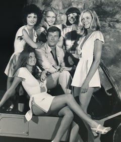 Roger Moore as 007: Ladies Man Fine Art Print