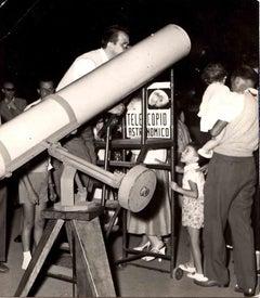 Vintage Photo of a Telescope of Amateur Telescope - B/W photo - 1960s
