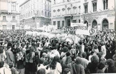 Women Manifest - Vintage Photographs of Feminist Movement - 1970s