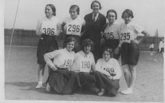 Young Girls Posing for a Photo Before a Marathon - Vintage b/w Photo - 1934 ca.