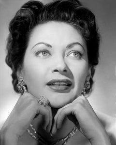Yvonne De Carlo Stunning Glamour Up Close Movie Star News Fine Art Print