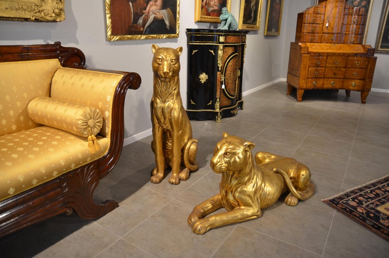 20th Century Art Deco Terracotta Italian Lioness Statues with Gold Leaves, 1930 For Sale 2
