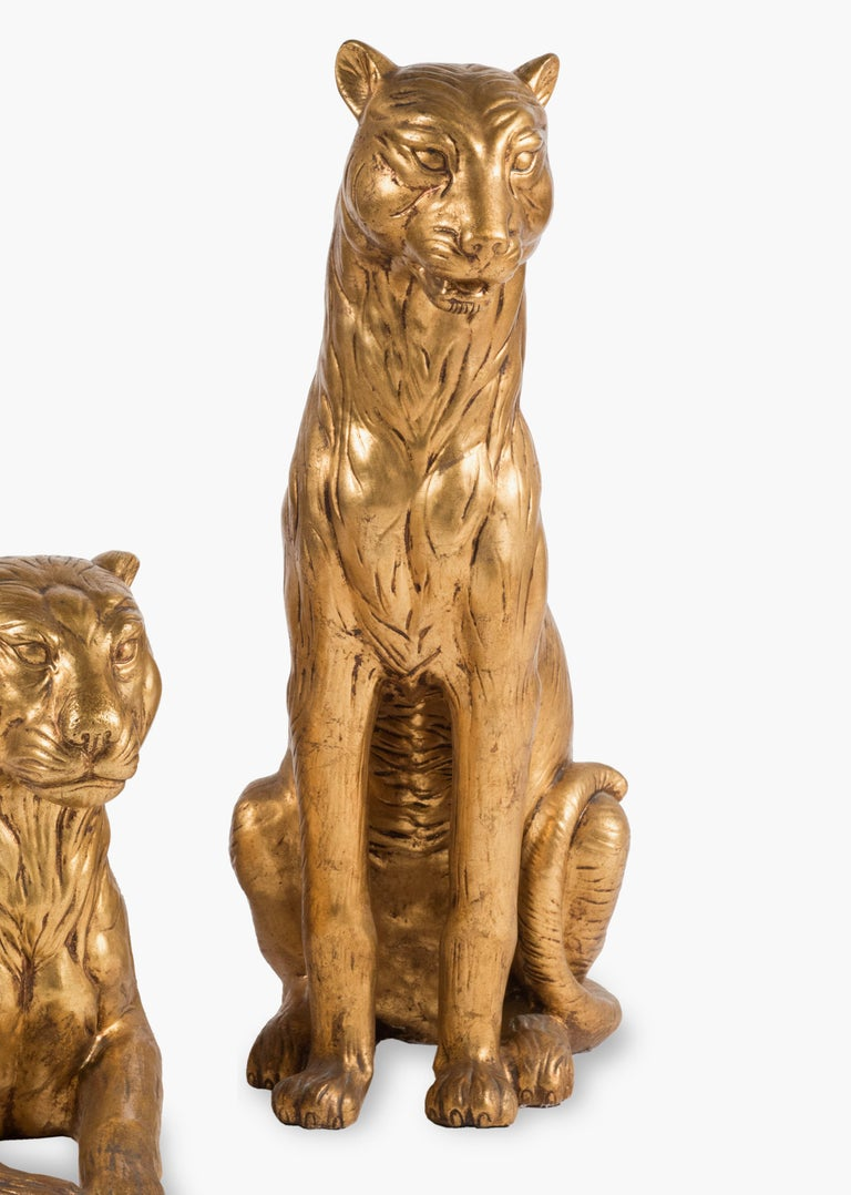 20th Century Art Deco Terracotta Italian Lioness Statues with Gold Leaves, 1930 For Sale 5