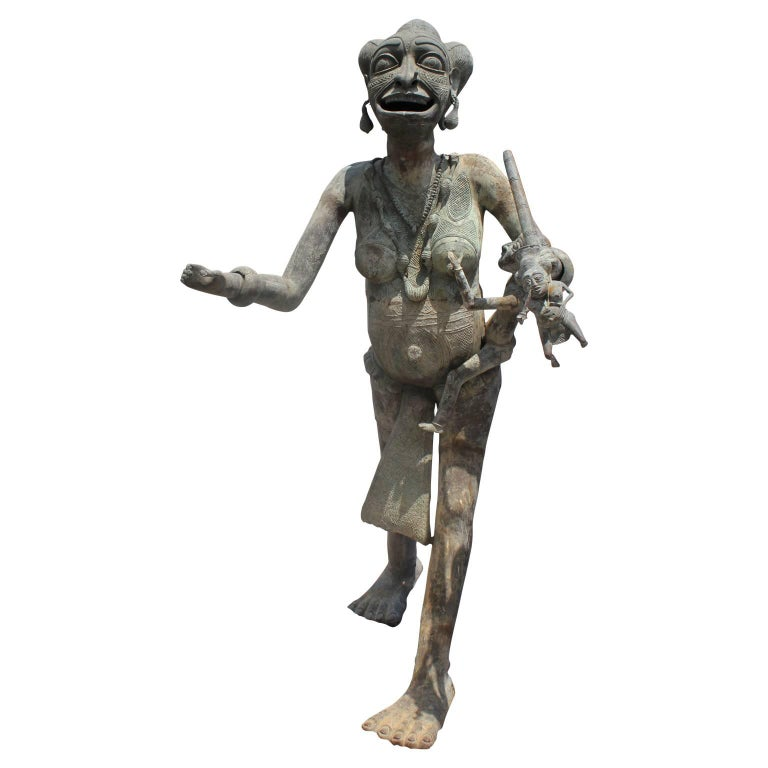 20th Century Foumban Cameroon Bronze African Maternity Sculpture  For Sale 2