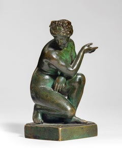 A Grand Tour bronze model of 'Crouching Venus', After the Antique