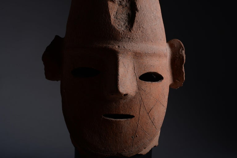 Unknown Abstract Sculpture - Superb Ancient Japanese Haniwa Head