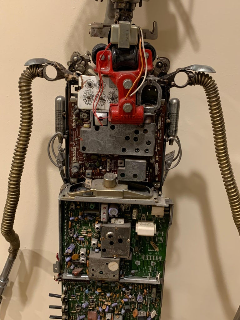 Circuit Man - sculpture  For Sale 2