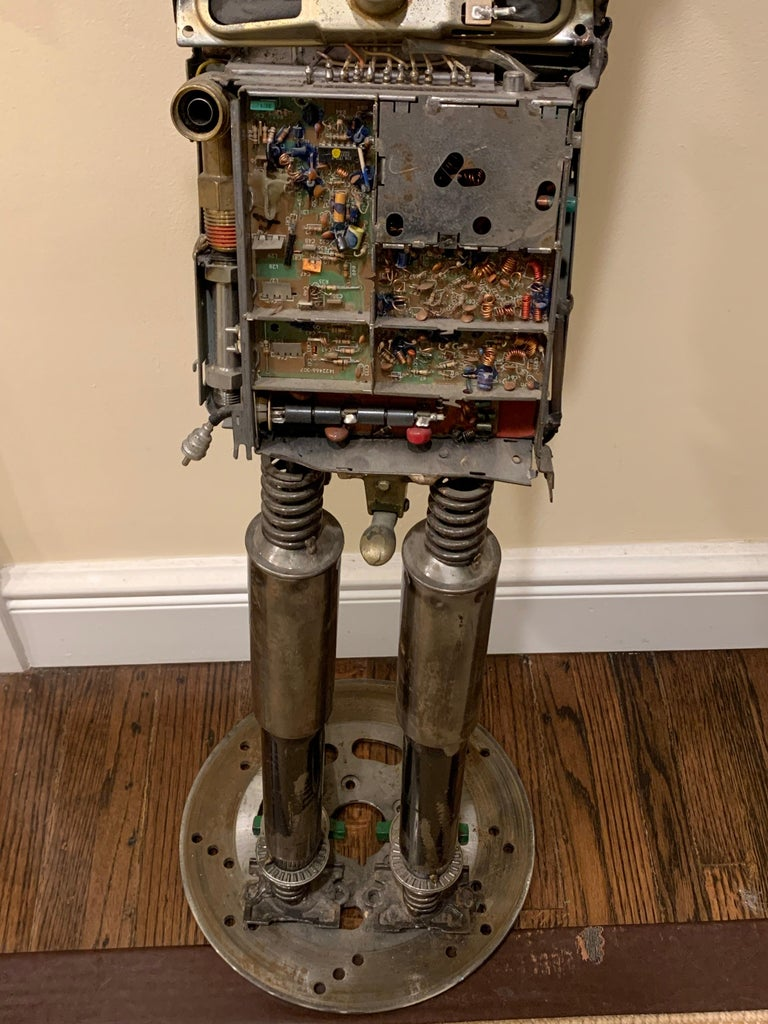 Circuit Man - sculpture  For Sale 5
