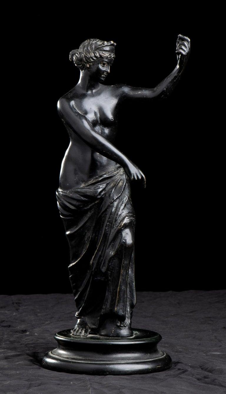 Figurative Sculpture Of Aphrodite Bronze Grand Tour After The Antique Grand Tour For Sale 1