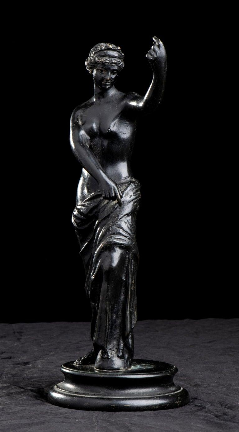 Figurative Sculpture Of Aphrodite Bronze Grand Tour After The Antique Grand Tour For Sale 2